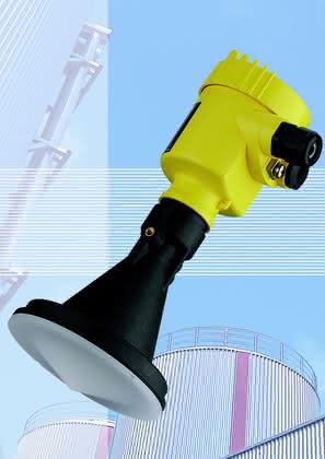 Radarsensor: Kunststoffgekapseltes Antennensystem