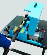 Nippeleinstoßmaschine: Vormontage erleichtern