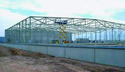 Industrie- und Gewerbehallen: Über 1000 Tonnen Stahl verbaut
