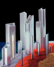Kunststoffprofile: Rund 4000 Tonnen Material