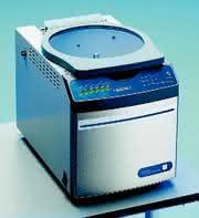 Vakuumkonzentratoren CentriVap: Kontrolliert heizen bis +100 °C  und kühlen bis -4 °C in einem Gerät