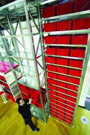 Fachboden-Hochregalsystem: Kapazitäten schaffen in der Höhe