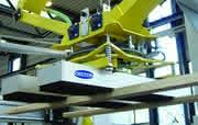 Heben und Bewegen: Vakuum  automatisiert Türenherstellung