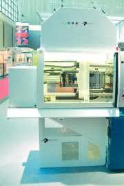 Spritzgießmaschinen Boy 55A/55 MVV: Mit Reinraum rein in die Medizintechnik