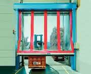 Anfahrschutz für Schnelllauftore: Der Klügere gibt nach