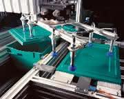 Robotik + Handhabung: Deckel drauf