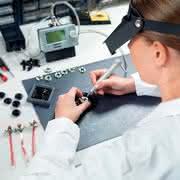 Montagewerkzeuge: Montagetechnik für Kleinstschrauben