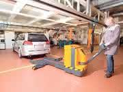 PKW-Transporter: Hubwagen für Autos
