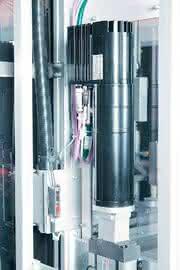 Servo Drives 930 fluxxtorque: Dezentrale Servotechnik treibt Bestückungsautomaten an