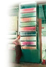 Büro-Intralogistik: 50 Jahre  Paternoster im Büro