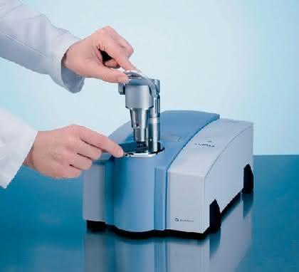FT-IR-Spektrometer ALPHA: Klein und einfach, aber stark und flexibel