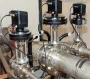Hydraulik + Pneumatik: Um unterschiedliche Baureihen
