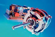 Synchronmotoren: Kompakte Kraftpakete