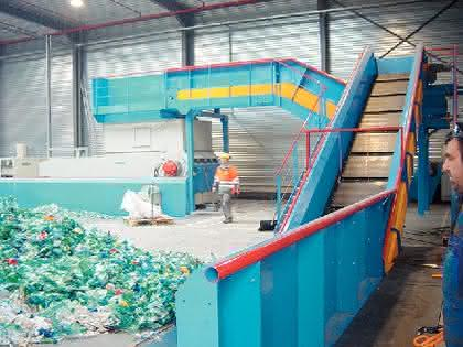 PET-Recyclinganlage: Recyclinganlage für acht Tonnen PET pro Stunde