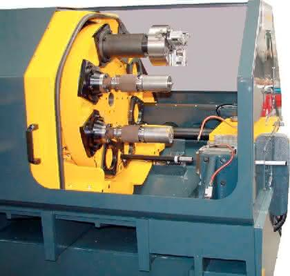 Maschinen zur Rohrendenbearbeitung: Vollelektronische  Umformmaschine