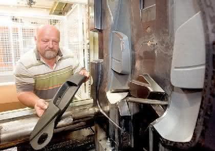 PVD-Beschichtung von Spritzgießformen: Automobiltrends  glänzend umgesetzt