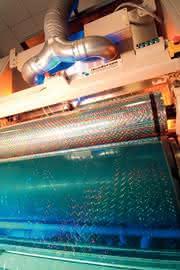 Infrarot-Strahler für die Folienprägung: Alles unter Kontrolle