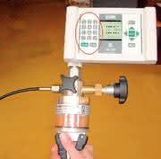 Druckkalibrator: Das Kalibrieren, Justieren und Prüfen