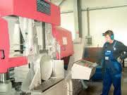 Aluminiumbearbeitung, Sägeautomaten: Unter  die Zähne gelegt