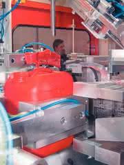 Steuerung Blasformen, Uniloy: Verpackungskosten  senken