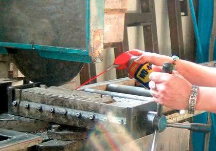 """Instandsetzungen und Stahlbau, Multifunktionsöl, Reinigungsspray: """"Alles,  was klemmt"""""""