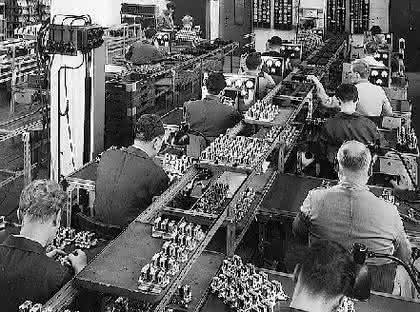 Industrie-Steckverbinder: Mit Sparlampen,  Kochplatten und Bügeleisen