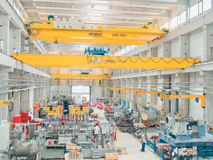 Material handling: Präzision und Power: Krane für die Montage von Dampfturbinen