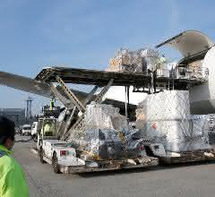 Lufthansa Cargo Loading