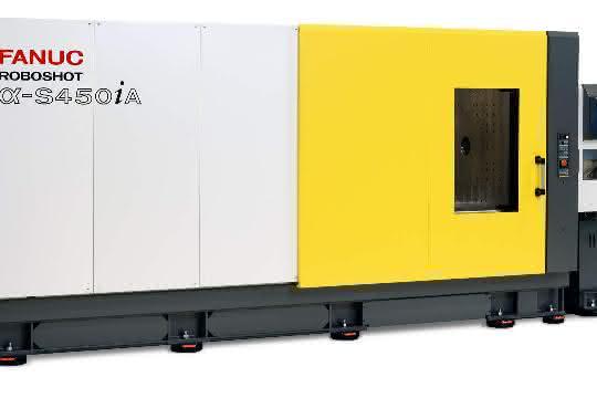 Mit 4500 Kilonewton Schließkraft ergänzt die Spritzgießmaschine die bisher bis 3000 Kilonewton reichende Baureihe.