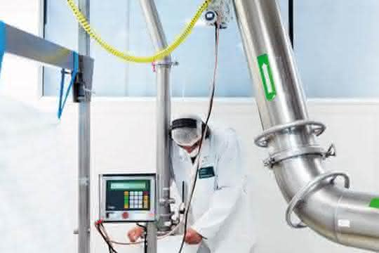 Werkstoffentwicklung und Vermahlung unter GMP-Vorgaben sind auch dank breiter Mengenvarianz mit überschaubaren Kosten möglich.