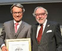"""Soziales Engagement mit terre des hommes in der Kategorie """"Zivilgesellschaftliches Engagement"""" ausgezeichnet"""