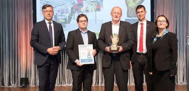 handling award ssi schaefer