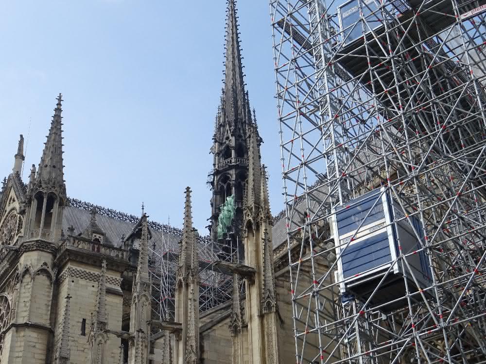 GEDA Bauaufzüge im Einsatz in Paris