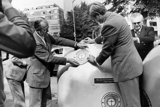 Den ersten Umweltengel bekam 1978 ein Recycling-Container aufgeklebt.