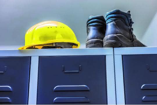 Rechtstipp: Wann besteht Schadensersatzanspruch bei Baustillstand?