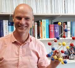 """Prof. Dr. Bart Jan Ravoo vom """"Center for Soft Nanoscience"""" der Westfälischen Wilhelms-Universität Münster (WWU)."""