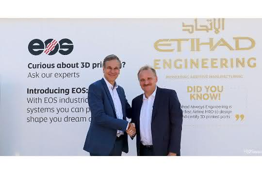 Markus Glasser, Senior Vice President Export Region bei EOS und Bernhard Randerath, Vice President Design, Engineering and Innovation bei Etihad Airways Engineering.
