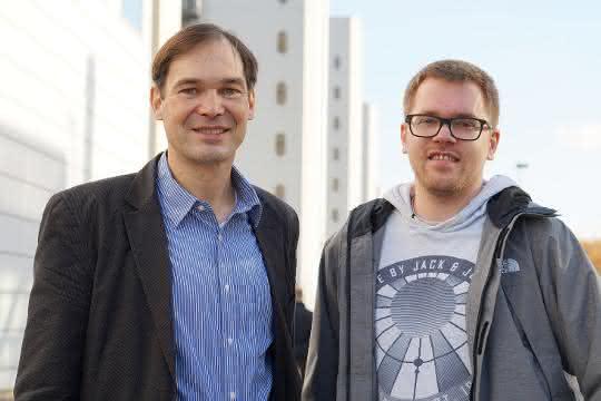 Prof. Dr. Harald Gröger und sein Mitarbeiter Tobias Betke haben eine Methode entwickelt, die dazu beiträgt, Nylon aus nachwachsenden Rohstoffen herzustellen.