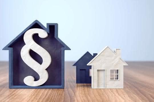 Rechtstipp: Grundstückseigentümer haften für Schäden durch beauftragte Handwerker