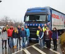 Ford Trucks F-MAX bringt Kindern in Osteuropa Weihnachtsgeschenke