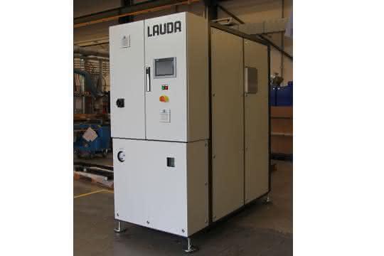 Der industrielle Thermostat ITH 400 ist Kern der kundenspezifischen Anlage.