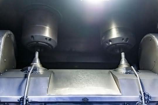 Bearbeitungszentrum EMAG VSC 250 Twin