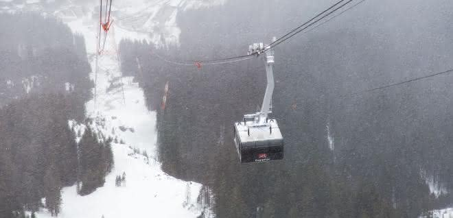 SEW Zugspitze zwischen Stütze und Bergstation