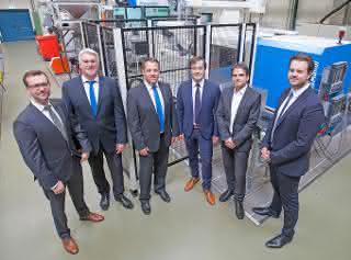 KraussMaffei: Spritzgießmaschine der PX-Baureihe für den Lehrstuhl für Konstruktion und Kunststoffmaschinen der Universität Duisburg-Essen