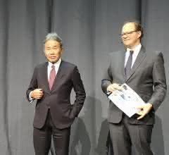Dr.-Ing. Masahiko Mori, Aufsichtsratsvorsitzender, und Christian Thönes, Vorstandsvorsitzender, auf dem DMG Mori Open House 2019 in Pfronten.