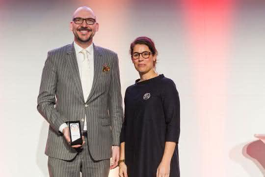 """Erster Platz in der Kategorie """"Produkte B2B"""": Deutsche Lichtmiete gewinnt Exzellenz-Preis"""