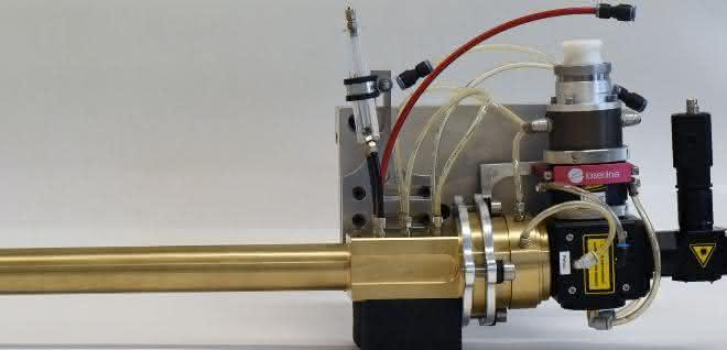 Die kompakte Bauweise der Optik ermöglicht es erstmals, Bohrungen ab 30 Millimeter Durchmesser sehr tief zu beschichten. Auch Sackbohrungen können nun bis in die Kante beschichtet, legiert oder gehärtet werden.