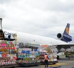 Lufthansa Cargo transportiert 10 Millionen Rosen zum Valentinstag