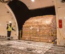 Neun zusätzliche Vollfrachter - für 900 Tonnen Rosen