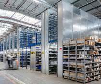 Zentrallager für Lichttechnikspezialisten: Regale ins rechte Licht gerückt